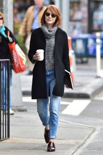 A lezione di stile da Emma Stone: 20 outfit e trucchi da copiare