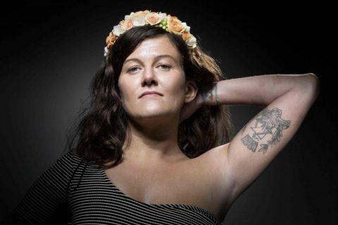 I segni del Bataclan sulla pelle: i tatuaggi dei sopravvissuti