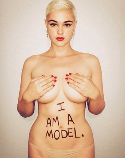 La modella curvy che sta rivoluzionando il concetto di bellezza sulle passerelle