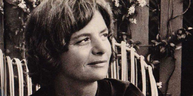 Elsa Morante: l'artista, la femminista e quei giochi erotici con Luchino Visconti