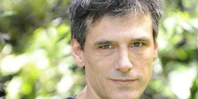 """Voci dalla """"barca dei folli"""": la vera storia della malattia mentale di Stefano Dionisi"""