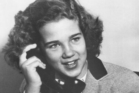 Cosa accadde a Sally Horner, la vera Lolita, abusata sessualmente e morta a 15 anni