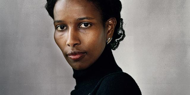 """Chi è Ayaan Hirsi Ali, l'""""eretica"""" che vuole cambiare l'Islam"""