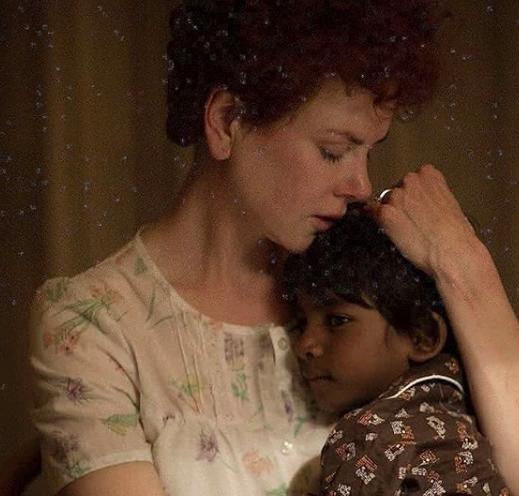 L'incredibile storia del piccolo Saroo, che ha ritrovato sua madre 25 anni dopo