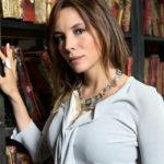 """Chi è Simona Sparaco, il """"Diego Tommasini"""" autore di un libro che ha vinto 150mila euro"""