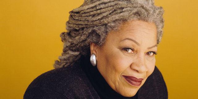"""Toni Morrison: """"I bianchi credono che sotto ogni pelle scura si nasconda una giungla"""""""