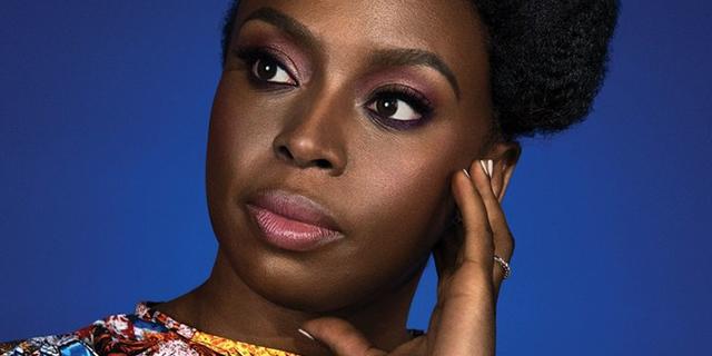 Chimamanda Ngozi Adichie: quella vocina che alle donne si insegna a mettere a tacere