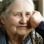 """Doris Lessing che ha spiegato cosa intendono le donne quando dicono """"Oh niente"""""""