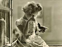 Le ragazze di Gianni Rodari e le bambole come gioco ideale per casalinghe