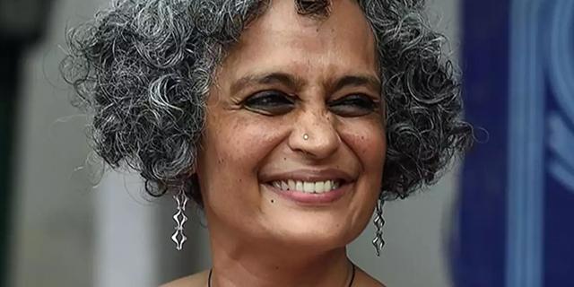 Arundhati Roy e la necessità di non rappresentare le donne solo come vittime