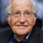 Noam Chomsky: perché all'anagrafe è stato registrato come donna e 5 insegnamenti