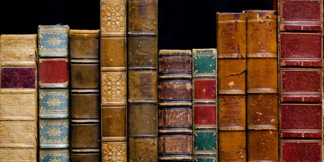 Bibliopegia antropodermica, cosa sappiamo dei libri (che esistono!) rilegati in pelle umana