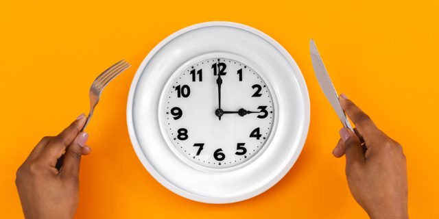 Cronofagia, ci pensiamo liberi ma ci stanno mangiando il tempo e la vita