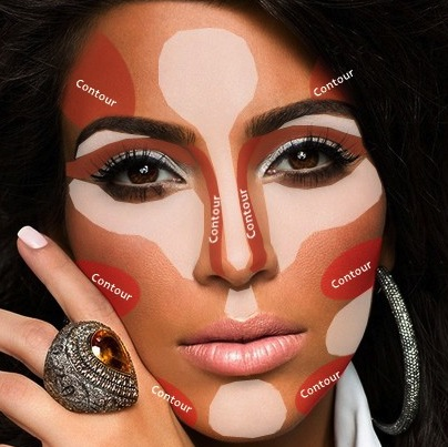 Contouring and highlightening Kim Kardashian