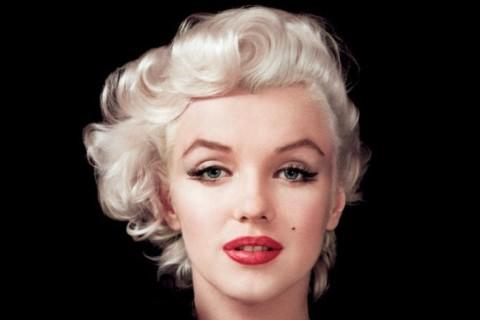 Look anni 50  come realizzare il make up di Marilyn Monroe aaaf4405f75b