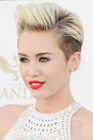 564pixie-cuts-miley-cyrus78