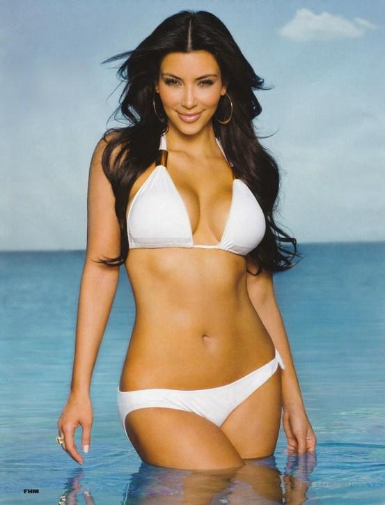 Sexy-Kim-Kardashian-kim-kardashian-29447239-553-725