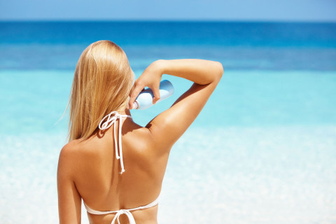 skin-and-hair-protection-at-beach
