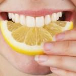 10 rimedi fai da te per sbiancare i denti a casa :D