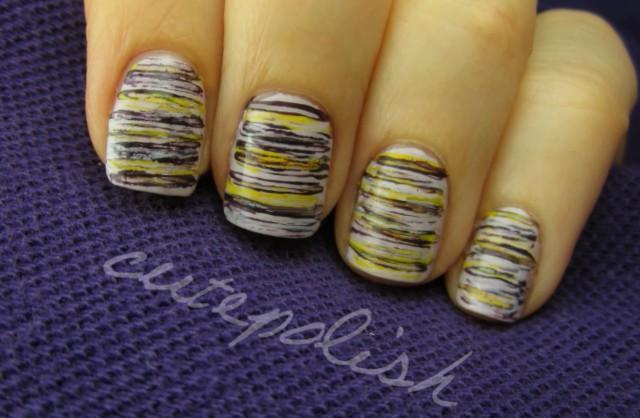 nail art perfetta con scotch, filo interdentale e CD