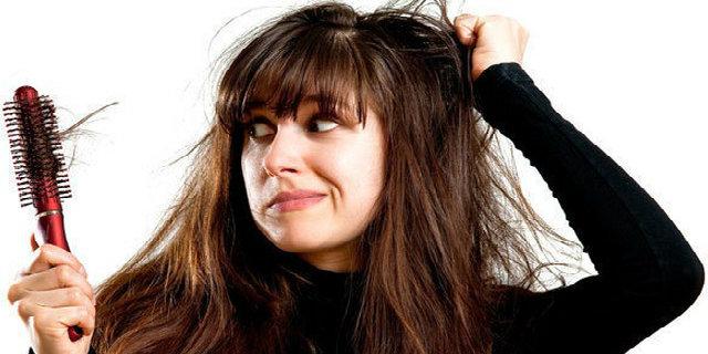 cause caduta capelli donne.