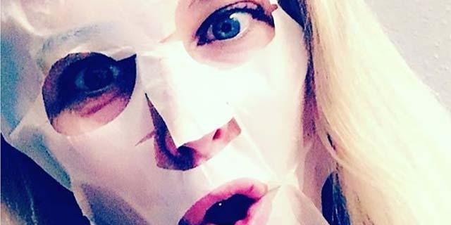 Perché non dovreste mai usare queste maschere viso preconfezionate