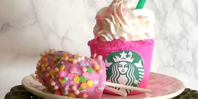 Queste bombe da bagno Starbucks esistono e noi le vogliamo!