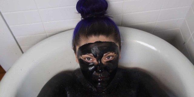 Perché dovresti provare a farti un bagno nell'acqua nera (e come farlo)