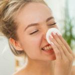 Perché il latte detergente è fondamentale per la nostra pulizia del viso
