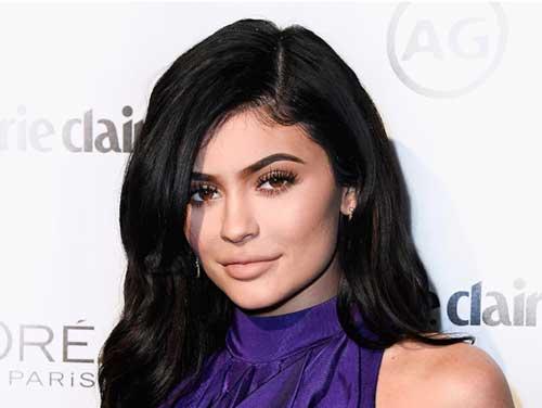 """Kylie Jenner: """"Mi sono rifatta le labbra per un ragazzo. Ma ora basta filler"""""""