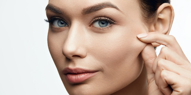 Elastina: la proteina della pelle che ci mantiene giovani e belle