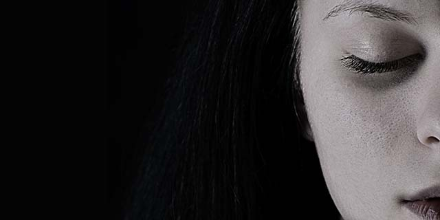 Laser frazionato: come funziona per viso e smagliature