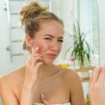 Isotretinoina, alleata nella cura dell'acne grave. Ma occorre fare attenzione