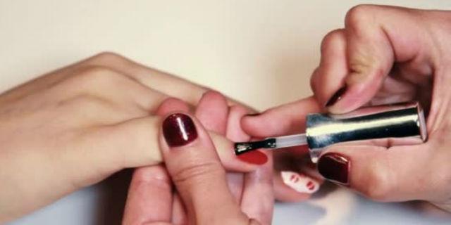 Top coat: il prodotto essenziale per una manicure duratura e curata