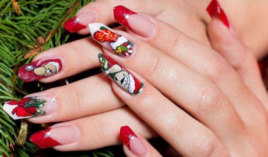 Unghie natalizie: 16 idee per una manicure elegante e festiva
