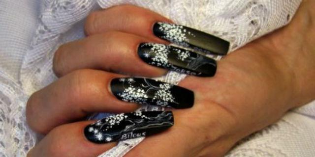 Micropittura unghie: la nail art come opera d'arte