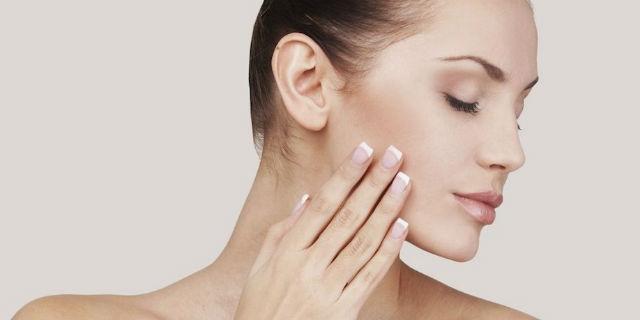 Scrub viso, l'alleato per pelle luminosa e rigenerata