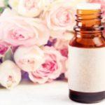 Acqua di rose, segreto di bellezza: le proprietà e le migliori 5 in vendita