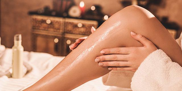 Olio per il corpo: i migliori prodotti per idratare e nutrire la pelle