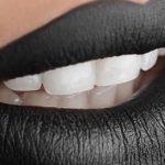 Rossetto nero: 8 consigli per indossarlo con eleganza