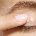 Cos'è il primer occhi, il segreto per un trucco più intenso e duraturo