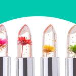 Lucidalabbra con fiori veri, glitter o volumizzanti: quali sono i migliori