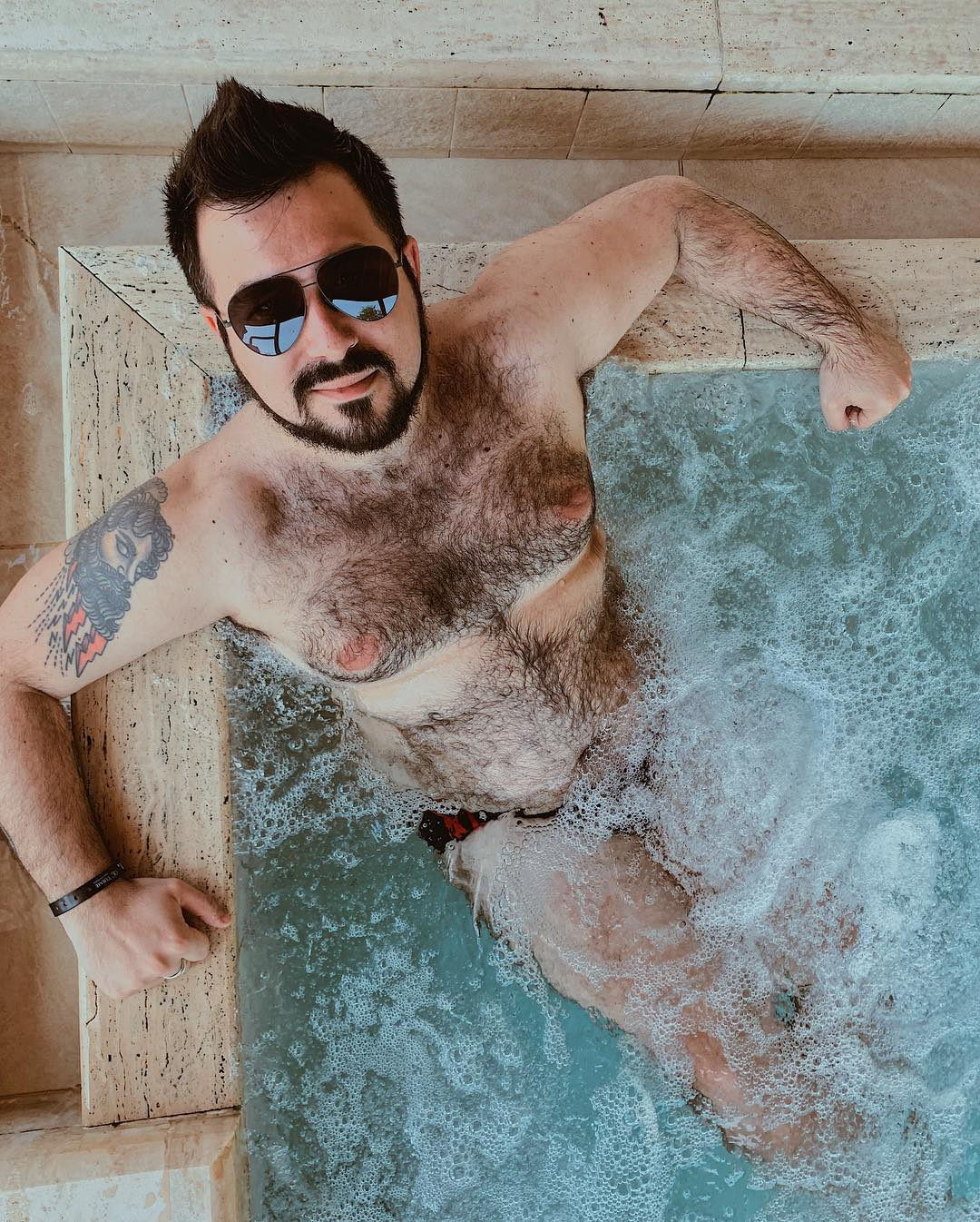 """""""Amare il proprio corpo non è solo 'roba da donne', quindi anch'io mi metto a nudo"""""""