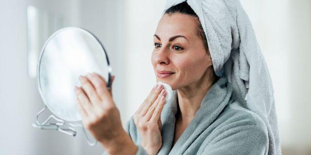 Sauna facciale, i benefici del vapore per una pelle luminosa senza imperfezioni