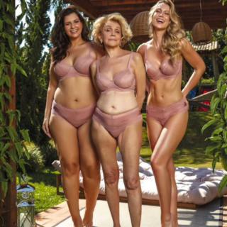"Helena Schargel, cosa ci fa questa ""ragazza di quasi 80 anni"" sempre in lingerie"