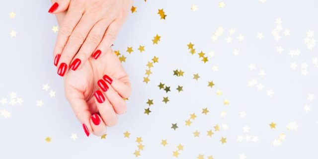Lampada per unghie: nail art fai da te ma con risultato professionale