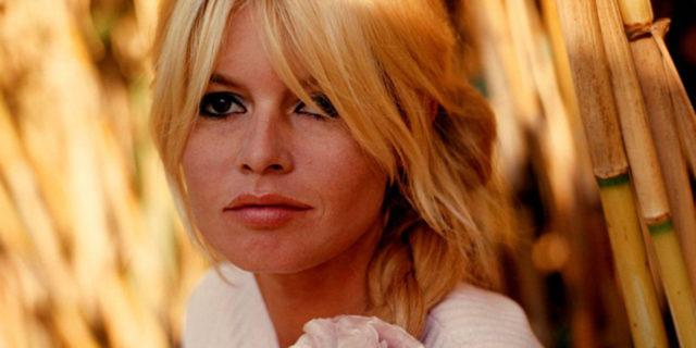Frangia a tendina: torna di tendenza lo stile di Brigitte Bardot