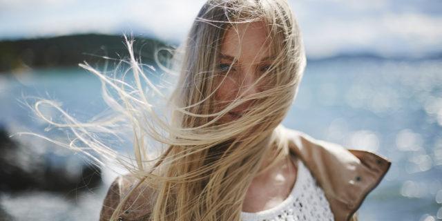 Lo shampoo schiarente, l'alternativa più naturale per riflessi chiari e luminosi