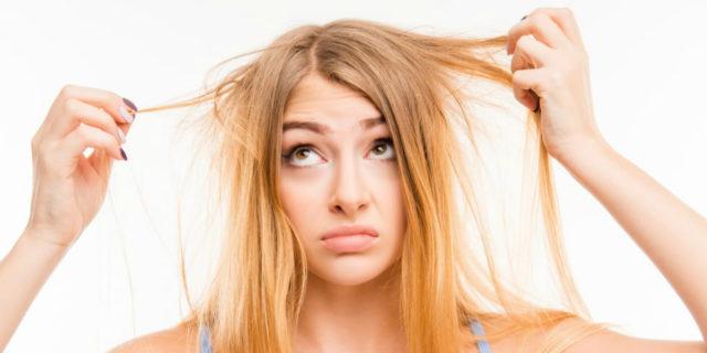 Buone abitudini, rimedi naturali e prodotti per rinforzare i capelli