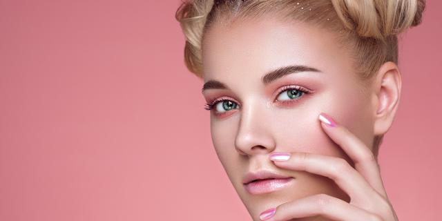 Make-up monocromatico: come realizzarlo e quali colori utilizzare